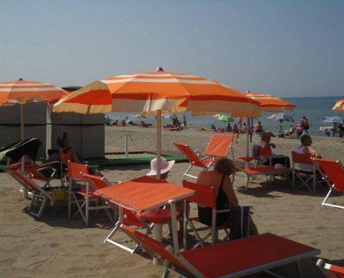 spiaggia per anziani